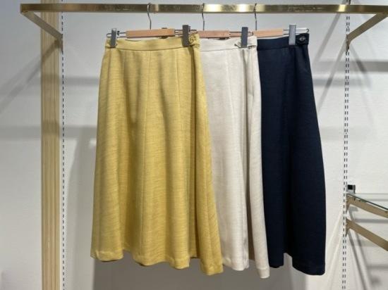 スラブツイル釦付きハギフレアスカート スカート,ハギフレア,フレアスカート