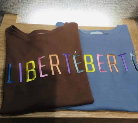 ロゴ刺繍Tシャツ Tシャツ